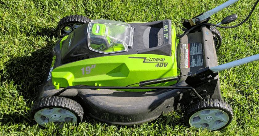Greenworks_40Volt_lawnmower
